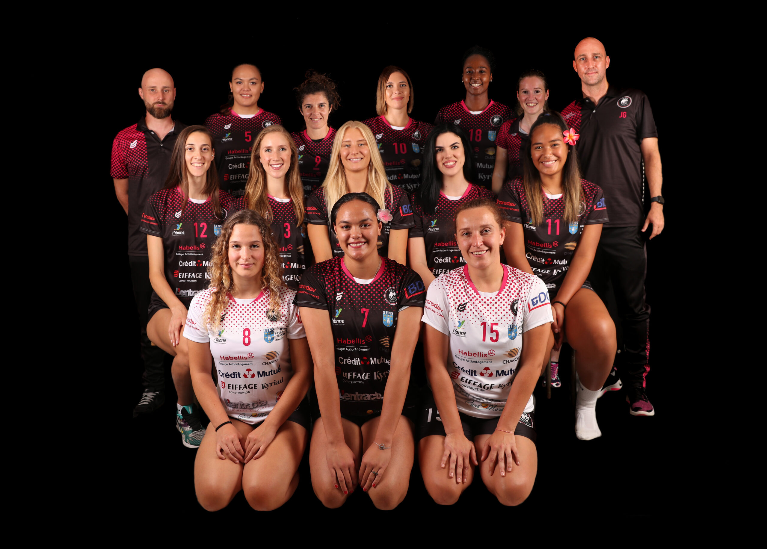 https://sens-volley.com/wp-content/uploads/2021/09/PHOTO-GROUPE-3-scaled.jpg